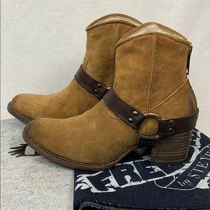 New Freebird by Steven Spirit Boots Size 7